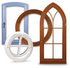 Okna drewniane o różnych kształtach