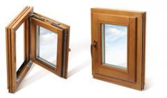 Okna drewniane z zawiasami krytymi