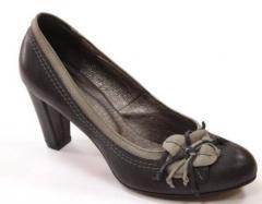 Buty damskie z kwiatkiem