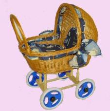 Wózek wiklinowy