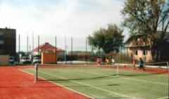 Korty tenisowe ze sztucznej trawy