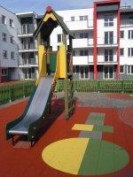 Bezpieczne nawierzchnie do placów zabaw