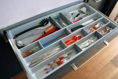 Wyposażenie szuflad Scoop II dla mebli kuchennych
