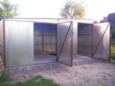 Garaże z drzwiami rozwiernymi