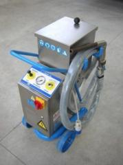 Equipment for the treatment of dry ice