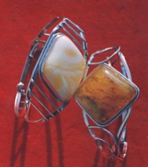 Wyjątkowe bransolety wykonane z bursztynu.