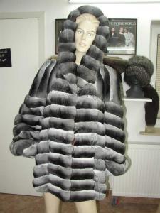 Płaszcz z szynszyli z kapturem