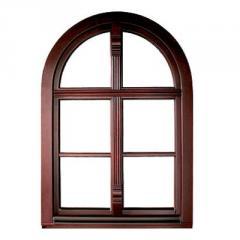 Okna z drewna sosnowego i mahoniowego