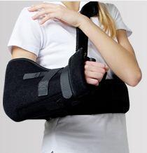 Aparat odwodzący kończynę górną AM-AO-KG pomocny przy leczeniu przedniego zwichnięcia barku.