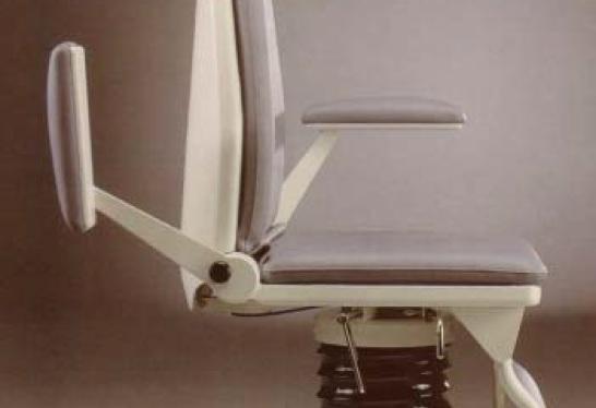 fotel_laryngologiczny_pacjenta_51043_jorgsohn