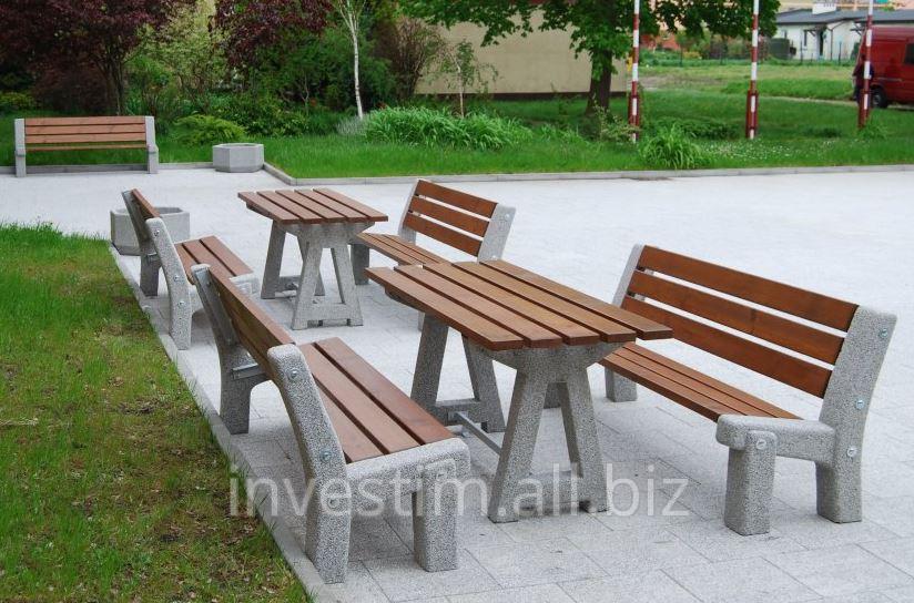stol_piknikowy_betonowy_z_drewnianym_blatem_nr_kat