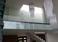 Szklana elewacja wnętrza