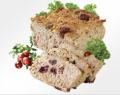 Pasztet wieprzowy pieczony z wyselekcjonowaną żurawiną, która idealnie komponuje się z delikatnym smakiem produktu. Drewniana foremka w której znajduje się pasztet, nawiązuje do tradycji i może być ozdobą każdego stołu biesiadnego. Pasztet z żurawiną Łuko