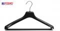Wieszaki dla garniturów