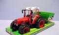 Traktor z siewnikiem