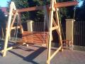 Huśtawki drewniane ogrodowe