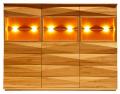 Kredens wysoki Klose for Vinotti dostępny w trzech rodzajach drewna