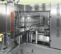 Urządzenia te stosowane są do rozlewu produktów gazowanych. W pierwszej kolejności w rozlewanym opakowaniu należy stworzyć warunki ciśnienia zbliżone do parametrów rozlewanego produktu i następnie przeprowadzić proces napełniania. Dzięki zastosowanej meto