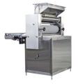 Walcarka przemysłowa WMCp do produkcji pierników i ciastek kruchych wyciskanych z walca. Pozwala na produkcję różnych wzorów.
