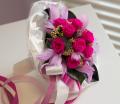 Róże stabilizowane w kompozycjach bukietowych.