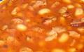 Doskonała fasolka po bretońsku w sosie pomidorowym.