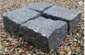 Kostka łupana z granitu czarnego w rozmiarze 10 x 10 x 5 cm