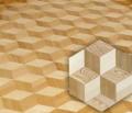 Mozaika parkietowa wykonana z drewna litego typu natur, użyte drewno to dąb, brzoza i jesion / jawor.