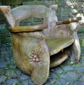 Unikalne fotele drewniane wykonane z drewna jesionowego, z rzeźbieniami.