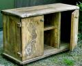 Duża komoda wykonana drewna jaworowego bejcowana, lakierowana i woskowana, ręcznie rzeźbiona.