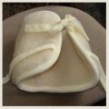 Wełniany ocieplacz rehabilitacyjny na kolano wykonany w 100% z wełny owczej.