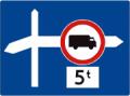 Znak uprzedzający umieszczany przed skrzyżowaniem