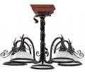 Lampy dekoracyjne z ręcznie wykonanymi motywami dekoracyjnymi.