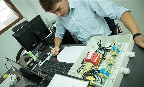 Zamówienie Montaż urządzeń elektrycznych
