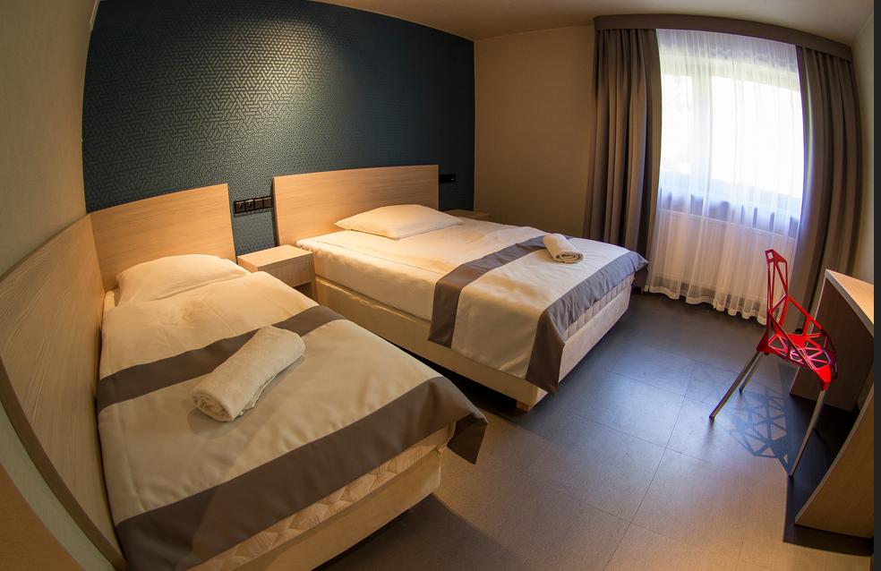 Zamówienie Pokoje hotelowe Jamrozowa Polana