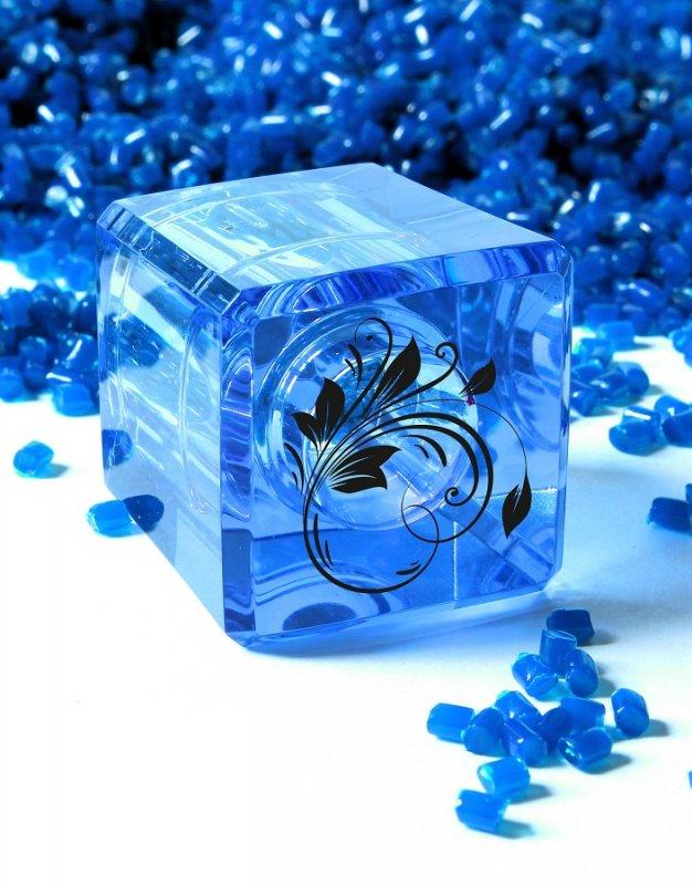 Zamówienie Projektowanie i produkcja nasadek do perfum