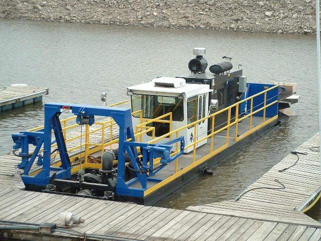 Zamówienie Oczyszczania zbiorników wodnych i rzek