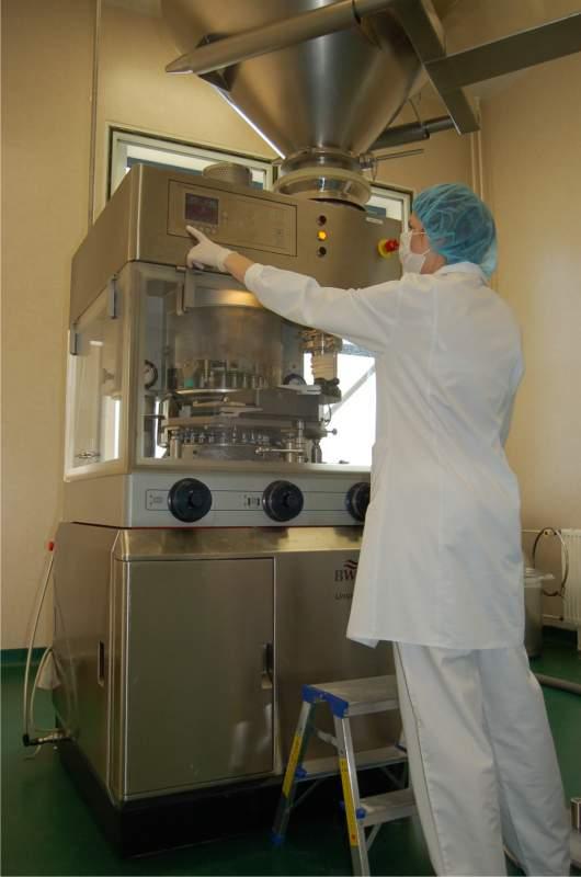 Zamówienie Produkcja form suchych preparatów farmaceutycznych, jak również suplementów diety.