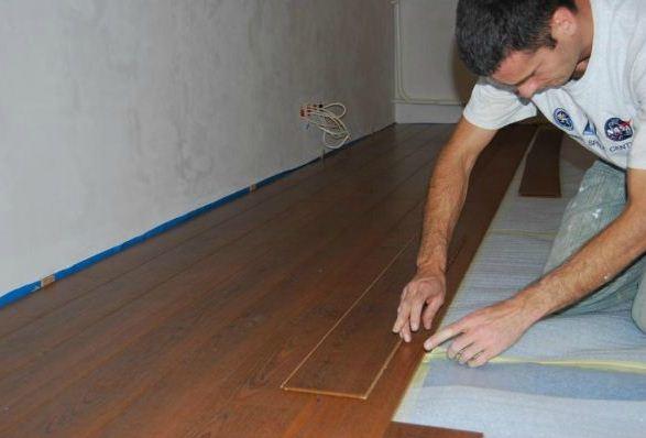 Zamówienie Układanie paneli podłogowych