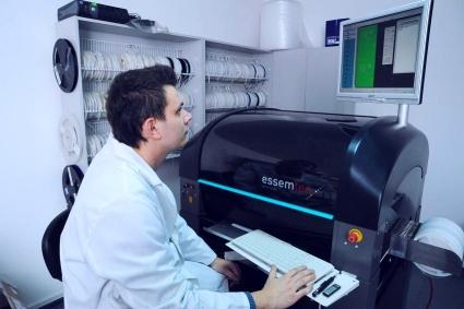 Zamówienie Automaty do nakładania elementów SMD