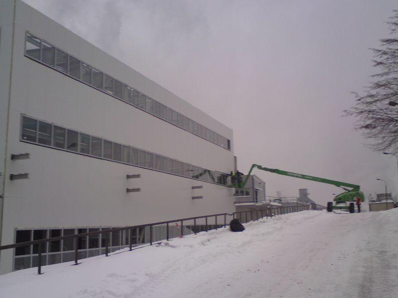 Zamówienie Montaż lekkich obudów ścian hal przemysłowych