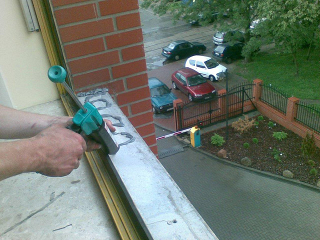 Zamówienie Serwis okien, naprawa okuć okiennych