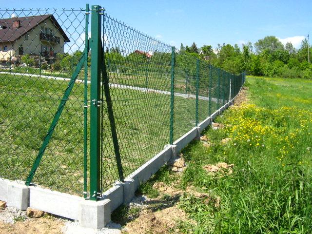 Zamówienie Montaż ogrodzenia siatkowego z proponowanym materiałem