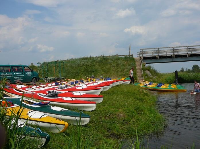 Zamówienie Spływ kajakowy na rzece Biebrzy