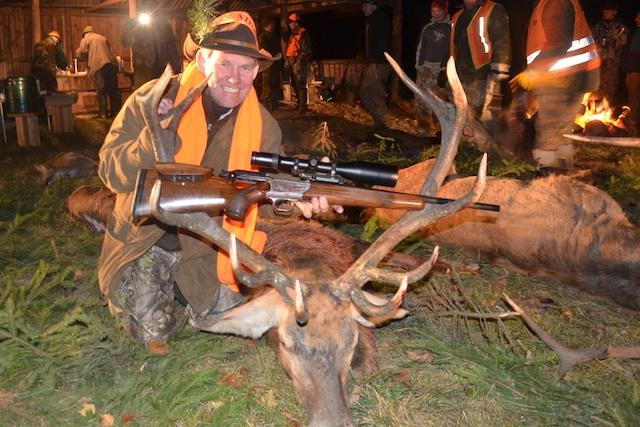 Zamówienie Red stag, Fallow buck, Roe buck, Wild boar, Mouflon, Driven hunt, Small game hunting.