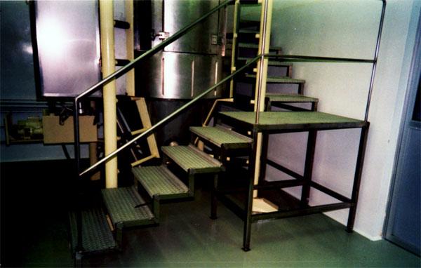 Zamówienie Konstrukcje stalowe ze stali kwasoodpornej