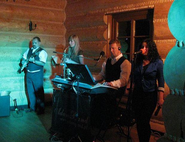 Zamówienie Imprezy okolicznościowe z świetną muzyką