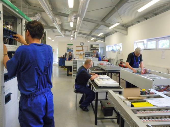 Zamówienie Usługi w zakresie automatyki i prefabrykacji rozdzielnic sterowniczych