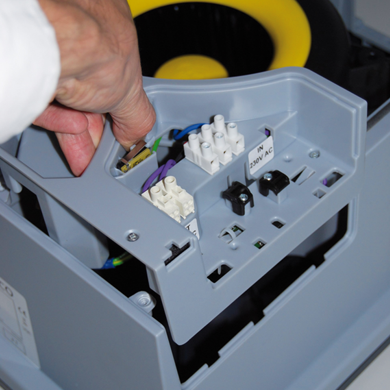 Zamówienie Montaż elementów elektronicznych