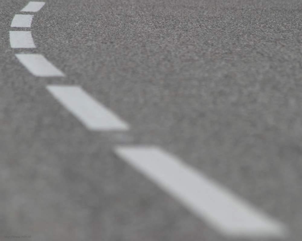 Zamówienie Asfaltowanie dróg, chodników, terytoriów miejskich, placów