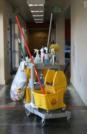 Zamówienie Usługi porządkowo – czystościowe